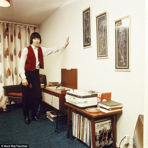Bill_Wyman_pictured_lived_in_a_flat_above_his_family_s_car_deale-a-4_1420017474684