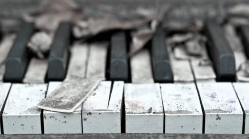 piano-sad